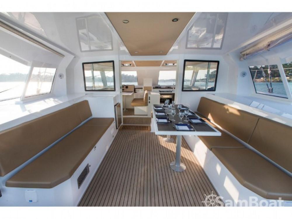 Catamaran à louer à Marina Naviera Balear au meilleur prix