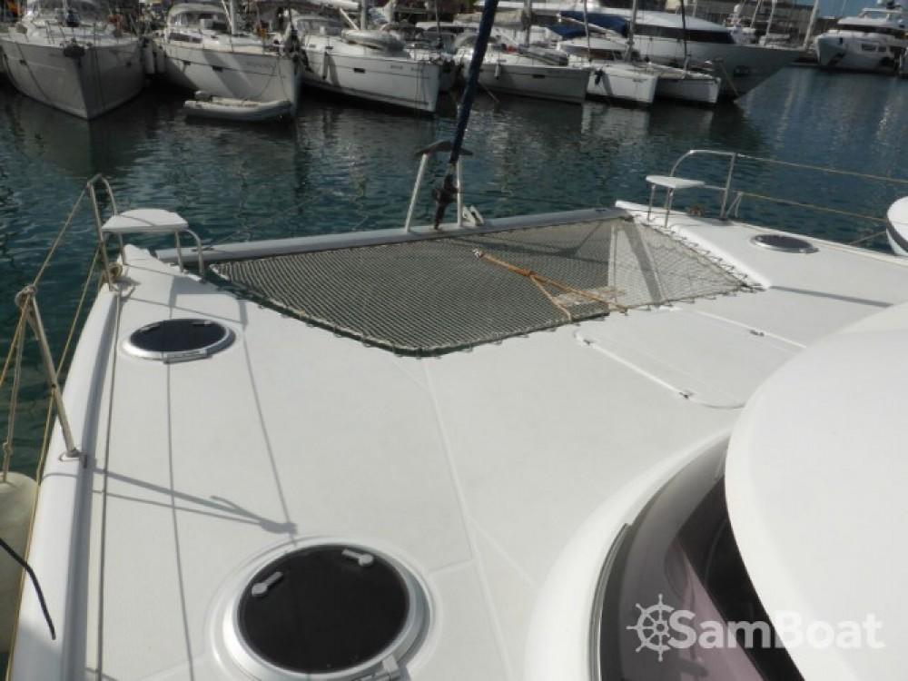 Louer Catamaran avec ou sans skipper Fountaine Pajot à Marina Naviera Balear