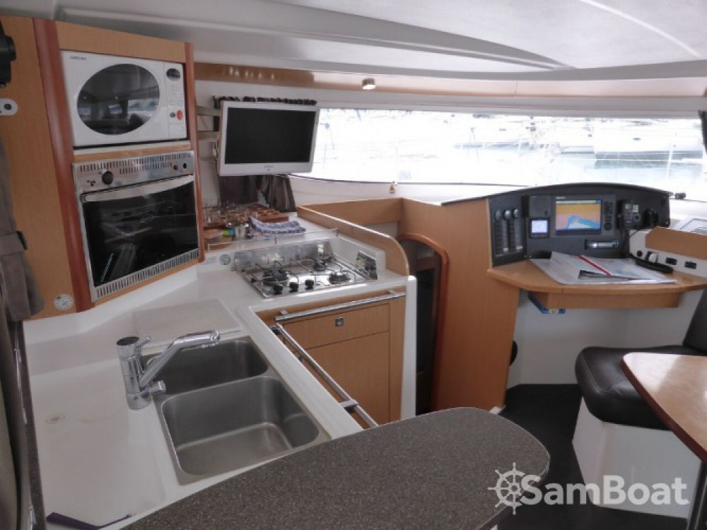 Location Catamaran à Marina Naviera Balear - Fountaine Pajot Lipari 41