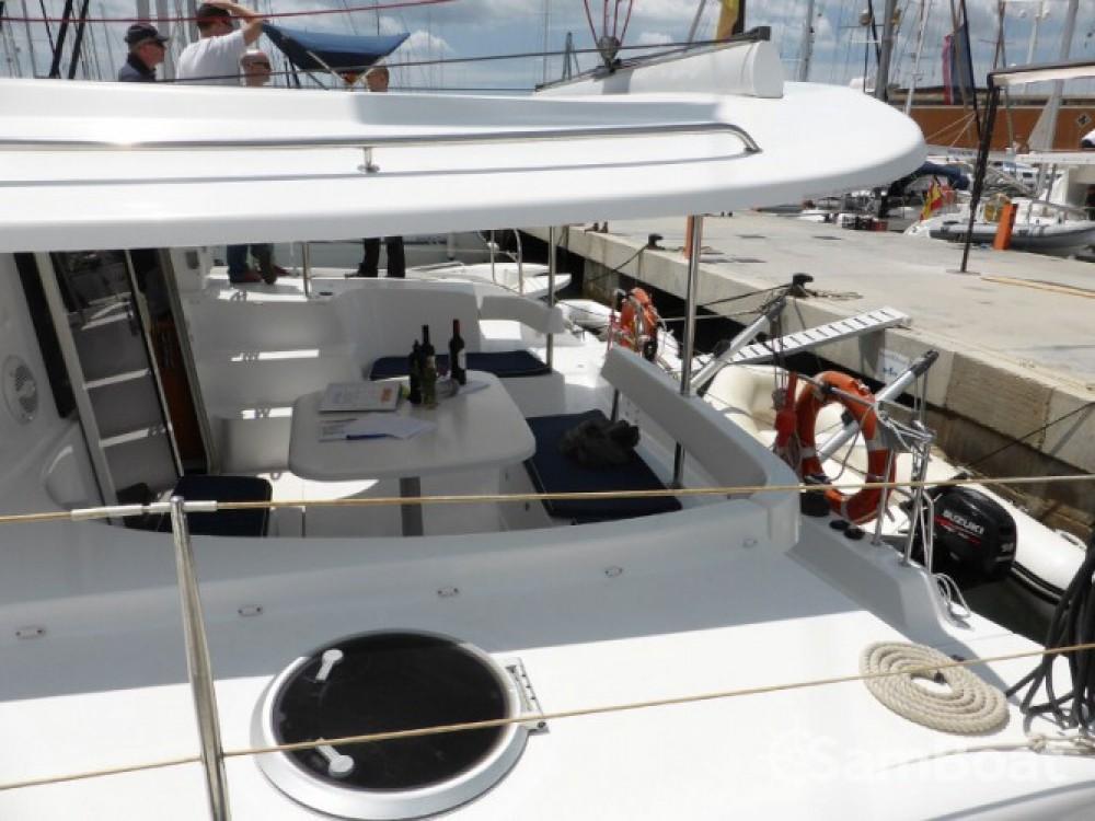 Location bateau Fountaine Pajot Lipari 41 à Marina Naviera Balear sur Samboat