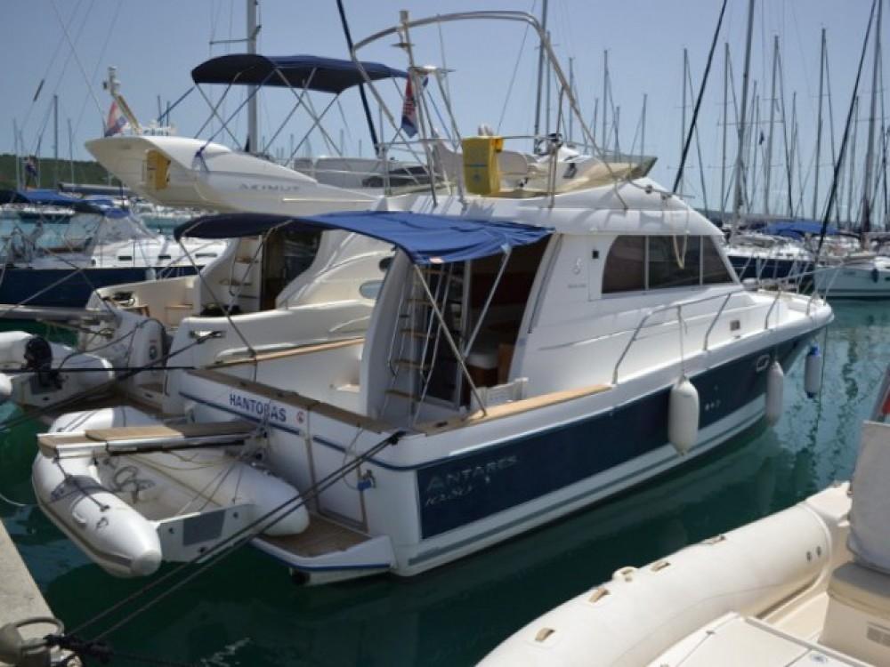 Location yacht à Marina Zadar - Bénéteau Antares 10.80 sur SamBoat