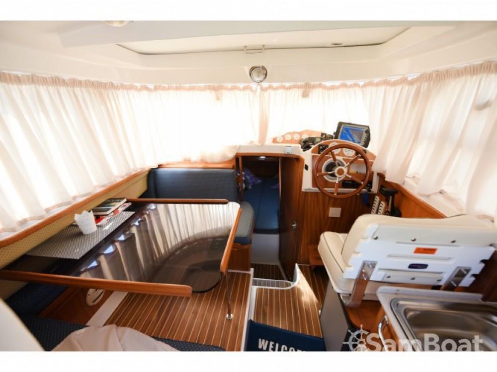 Louer Bateau à moteur avec ou sans skipper Quicksilver à Marina Zadar