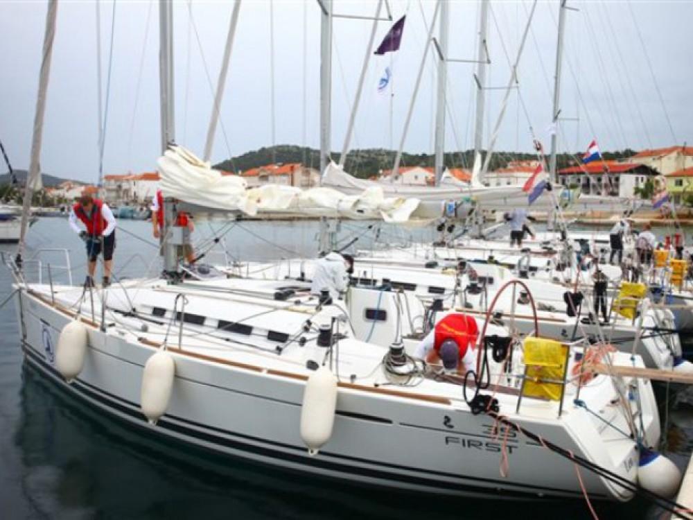 Location bateau Bénéteau First 35 à Murter sur Samboat