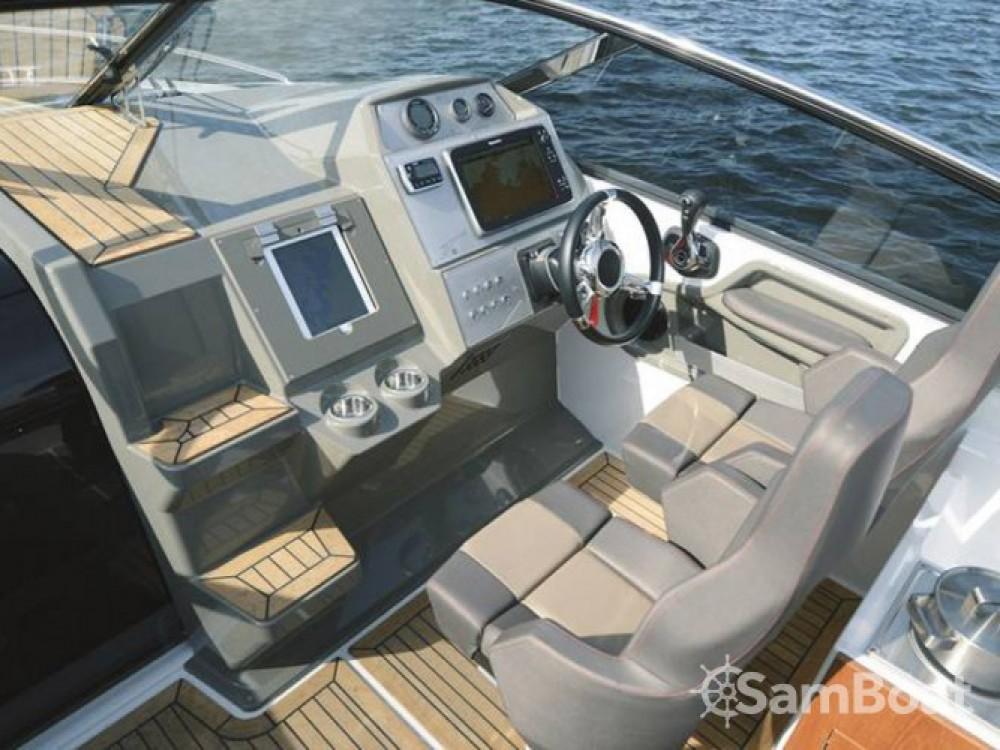 Location bateau Trogir pas cher Finnmaster T8