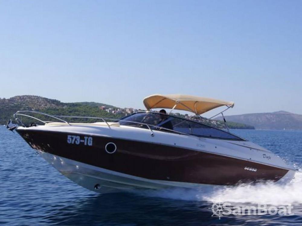Louer Bateau à moteur avec ou sans skipper Sessa Marine à Trogir