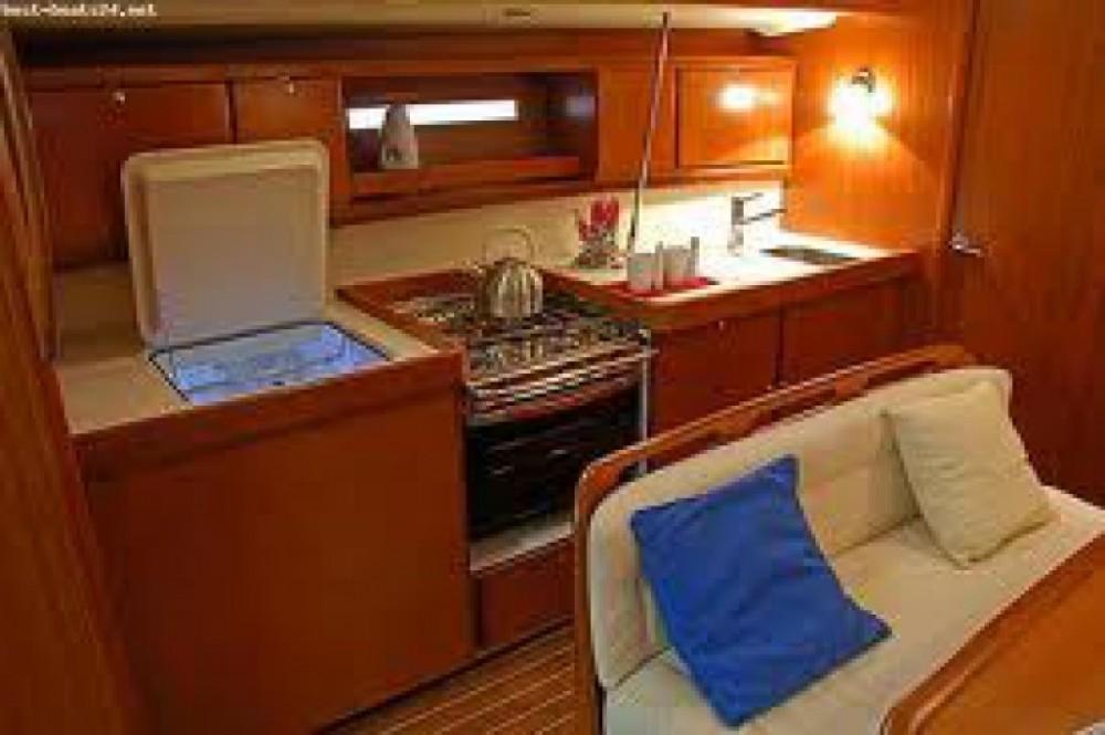 Location bateau Dufour Dufour 425 Grand Large à Marina di Portisco sur Samboat