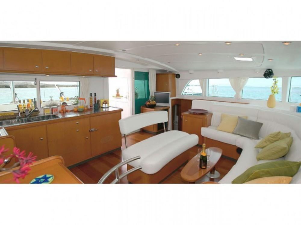 Location bateau Marina de Alimos pas cher Lagoon 440
