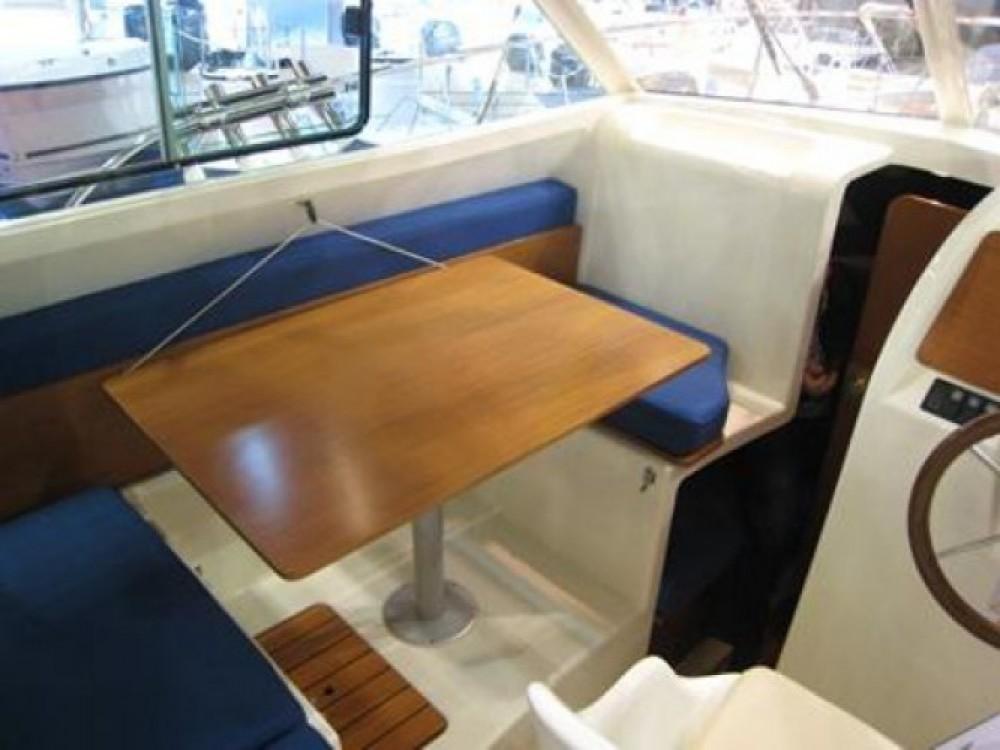 Noleggio barche Jeanneau Merry Fisher 725 Marina Kornati su Samboat