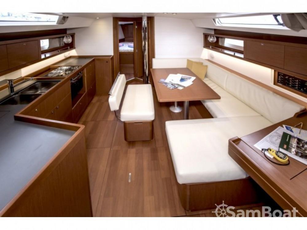 Location bateau Bénéteau Oceanis 45 (4 cabins) à Tivat sur Samboat