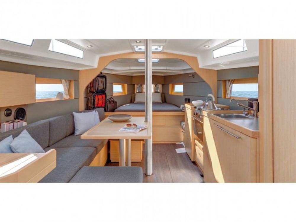 Location yacht à Tivat - Bénéteau Oceanis 38 sur SamBoat