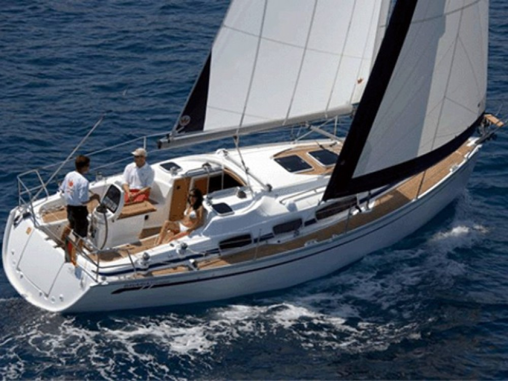 Location bateau Jeanneau Sun Odyssey 32i à Marina Gouvia sur Samboat