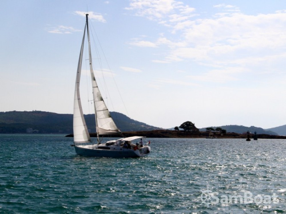 Bénéteau Oceanis 50 entre particuliers et professionnel à Marmaris