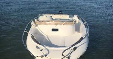 Louer Bateau à moteur avec ou sans skipper Jeanneau à Andernos-les-Bains