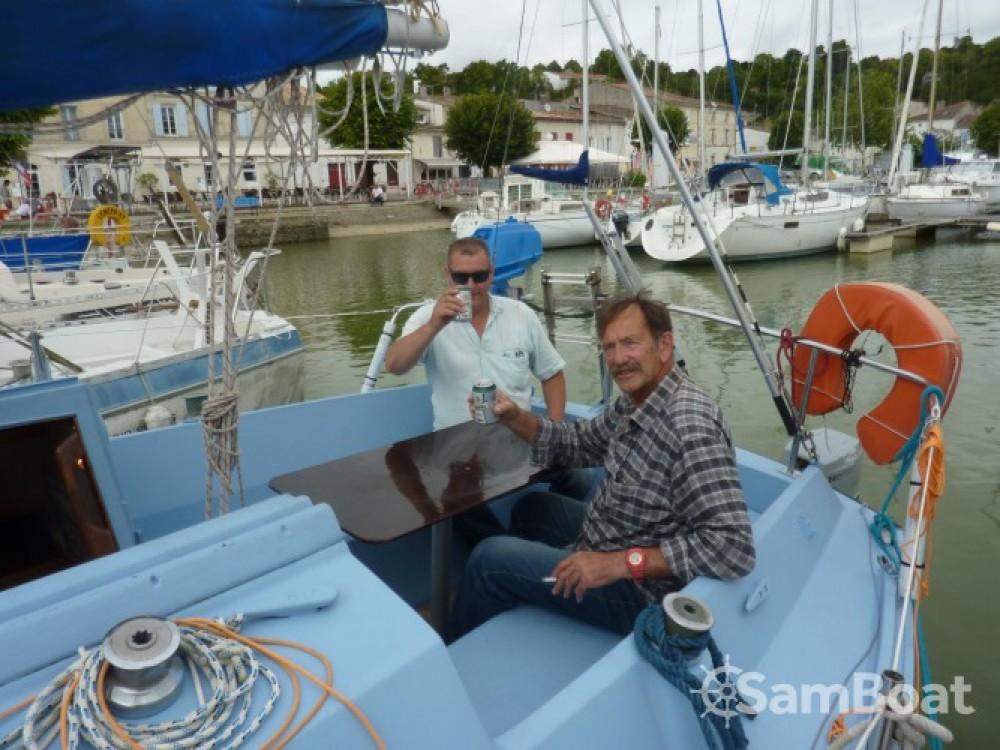 Louez un Aloa Aloa 25 à Mortagne-sur-Gironde