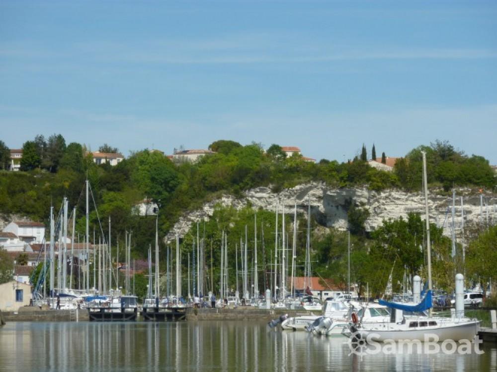 Aloa Aloa 25 entre particuliers et professionnel à Mortagne-sur-Gironde