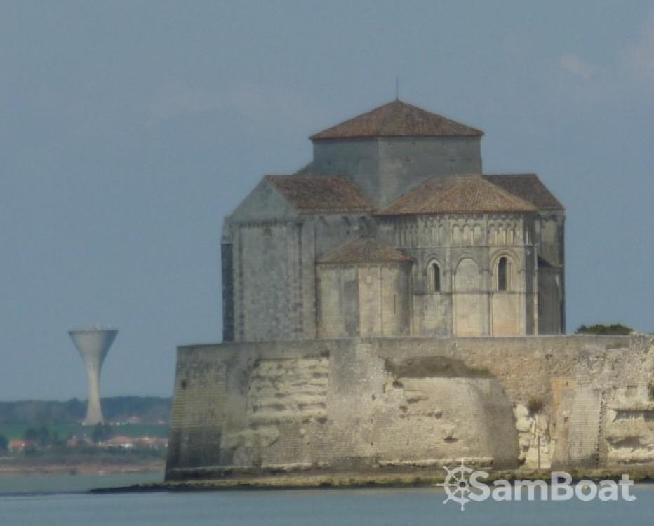 Location bateau Mortagne-sur-Gironde pas cher Aloa 25