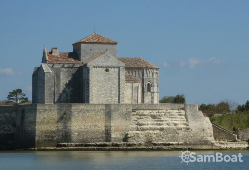 Voilier à louer à Mortagne-sur-Gironde au meilleur prix