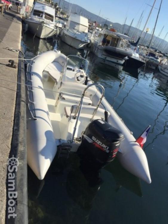 Location bateau La Ciotat pas cher Explorer 640
