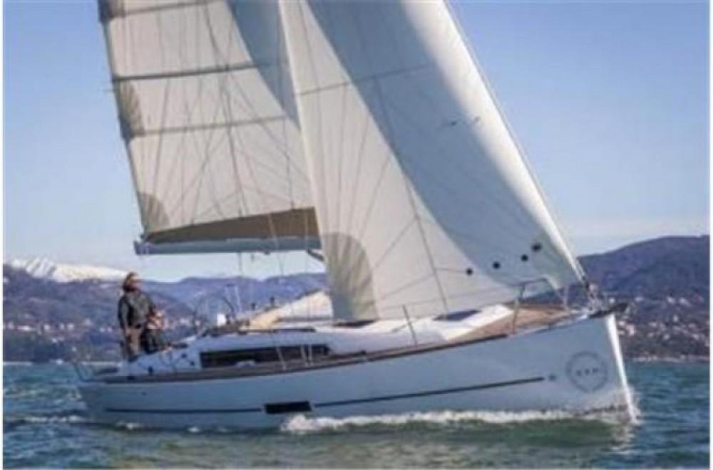 Location bateau Arzon pas cher Dufour 382 Grand Large