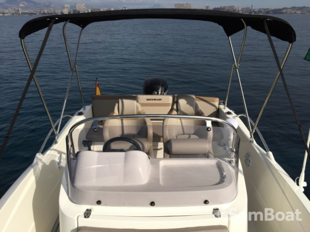 Boat rental Alicante cheap Activ 605 Open