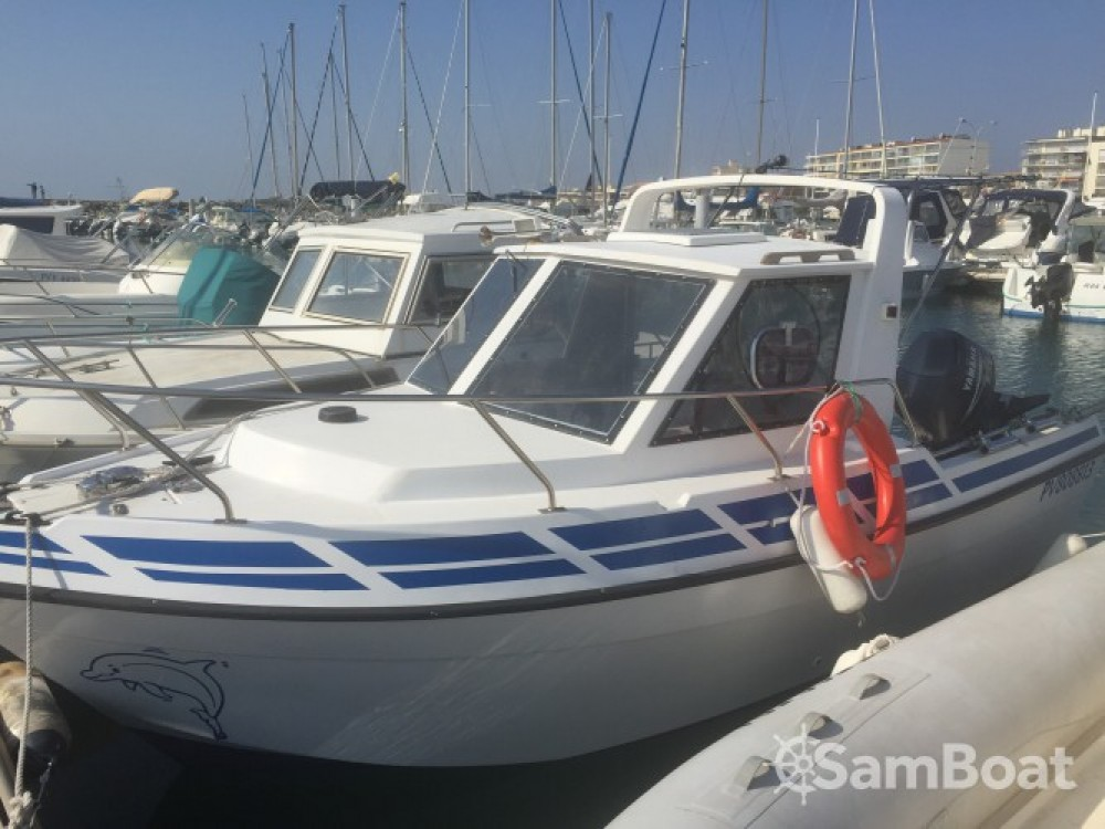 Boat rental Mar-Import Clear Liner 600 Cabine in Palavas-les-Flots on Samboat