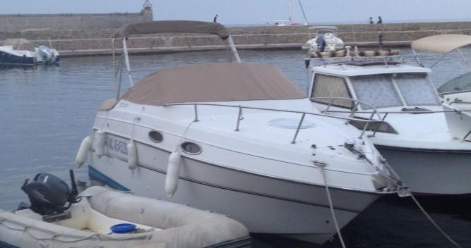 Four Winns Vista 238 entre particuliers et professionnel à Collioure