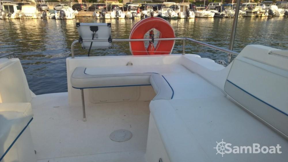 Location bateau Saint-Florent pas cher Riviera 24