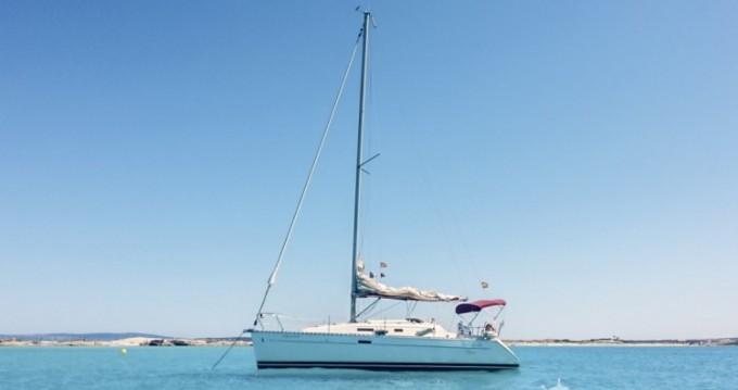 Bénéteau Oceanis 311 Clipper entre particulares y profesional Club Naútico Ibiza