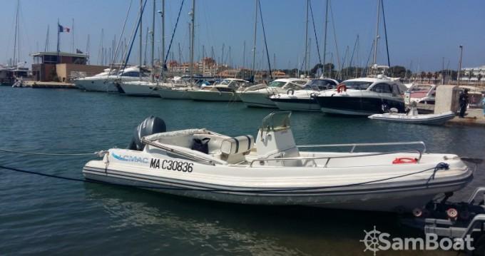 Location bateau Hyères pas cher Lomac 670 IN