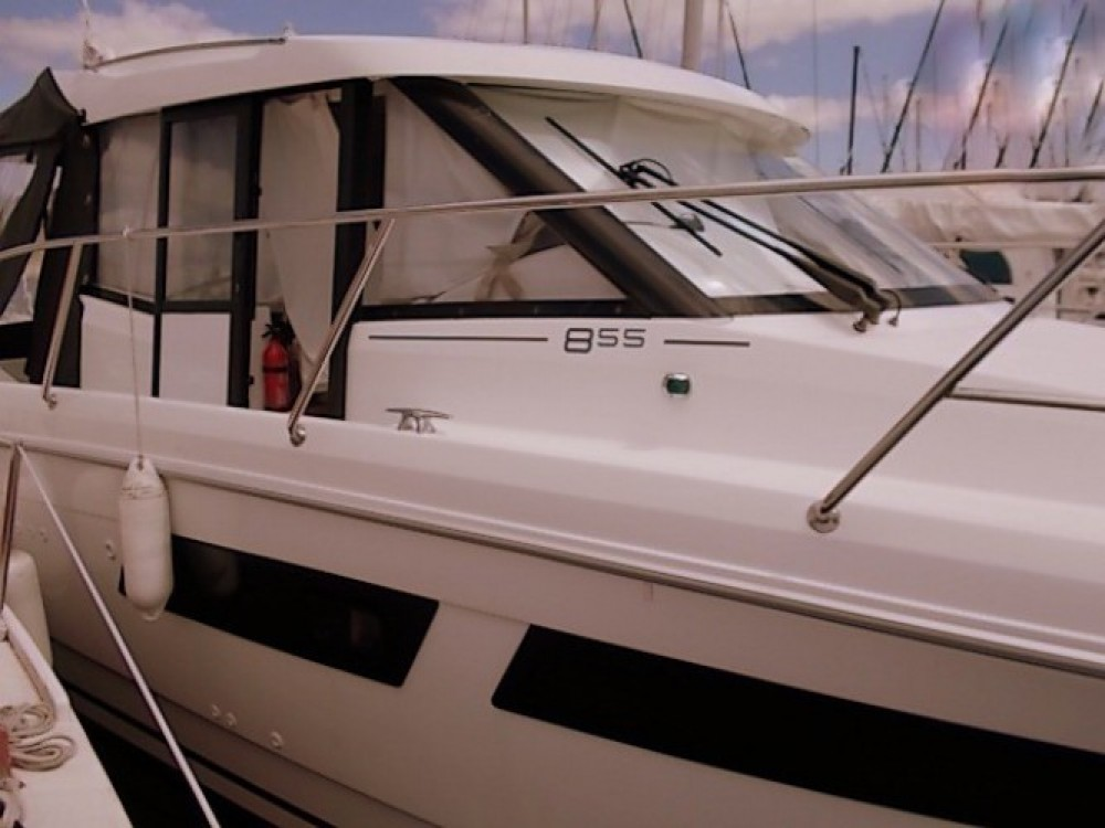 Boat rental Concarneau cheap Merry Fisher 855