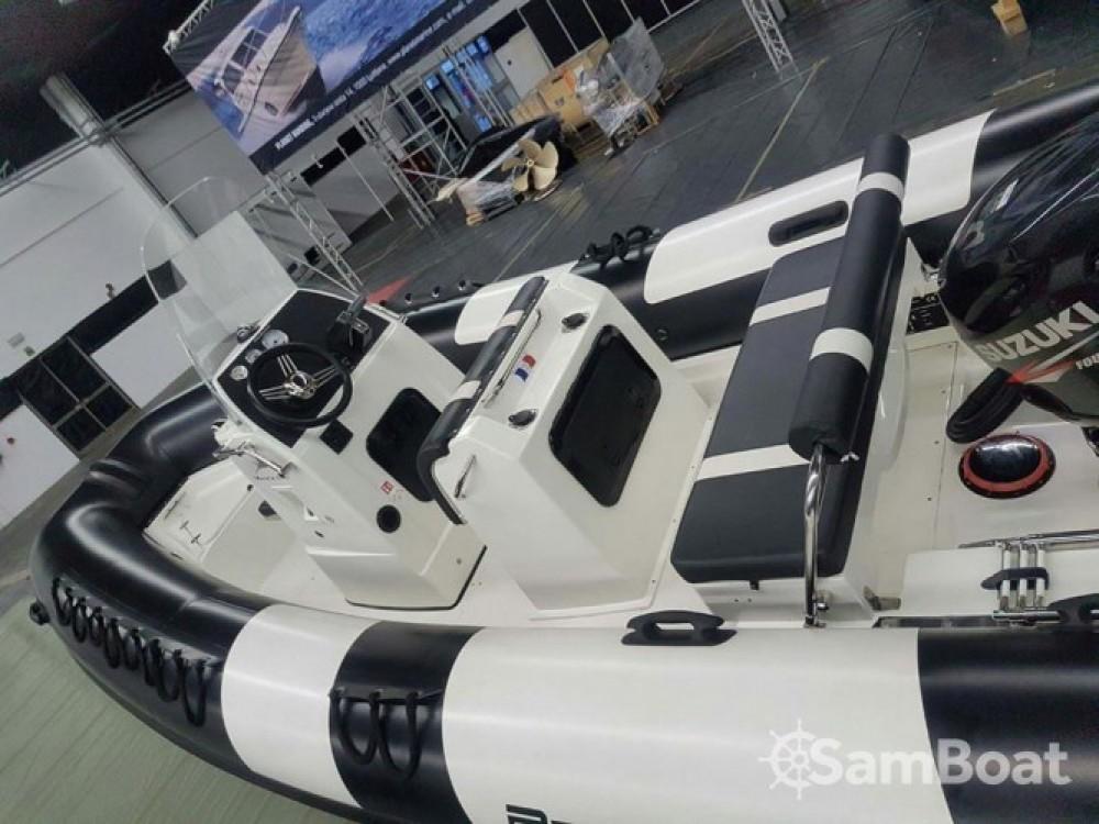 Location bateau Pro Marine MANTA à Étel sur Samboat