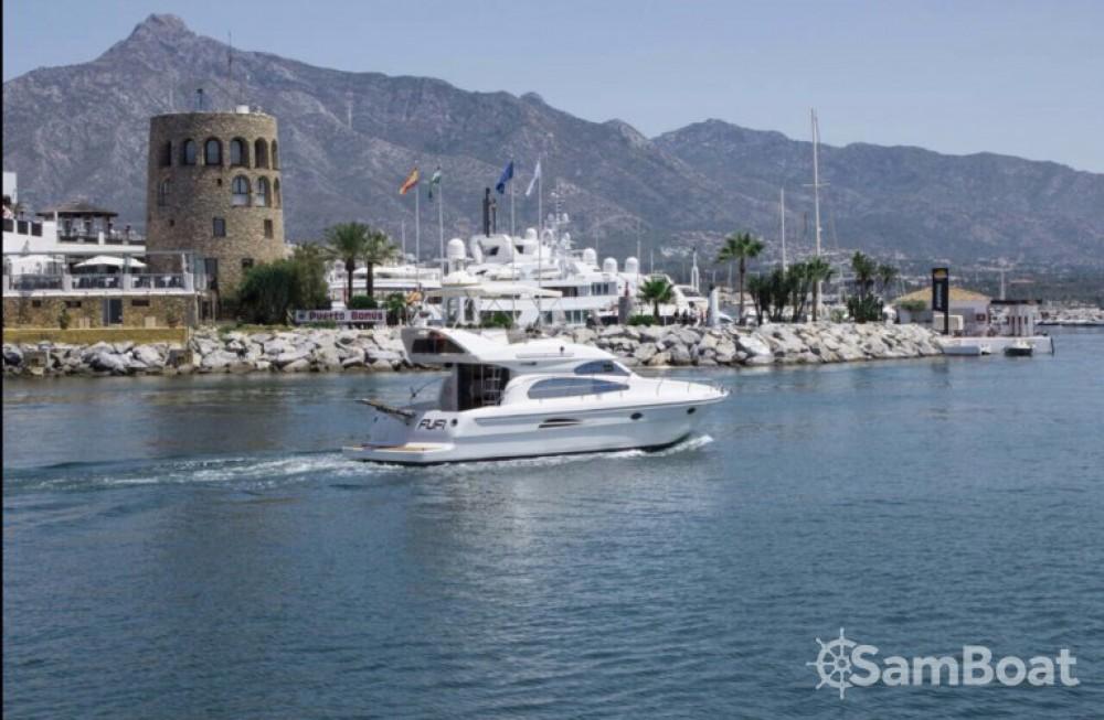 Location Bateau à moteur à Marbella - Astondoa 39 GL FLY
