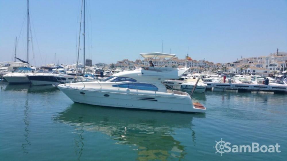Location bateau Astondoa 39 GL FLY à Marbella sur Samboat