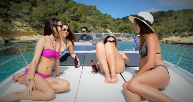 Boat rental Club de Mar cheap Flyer 8.8 SUNdeck