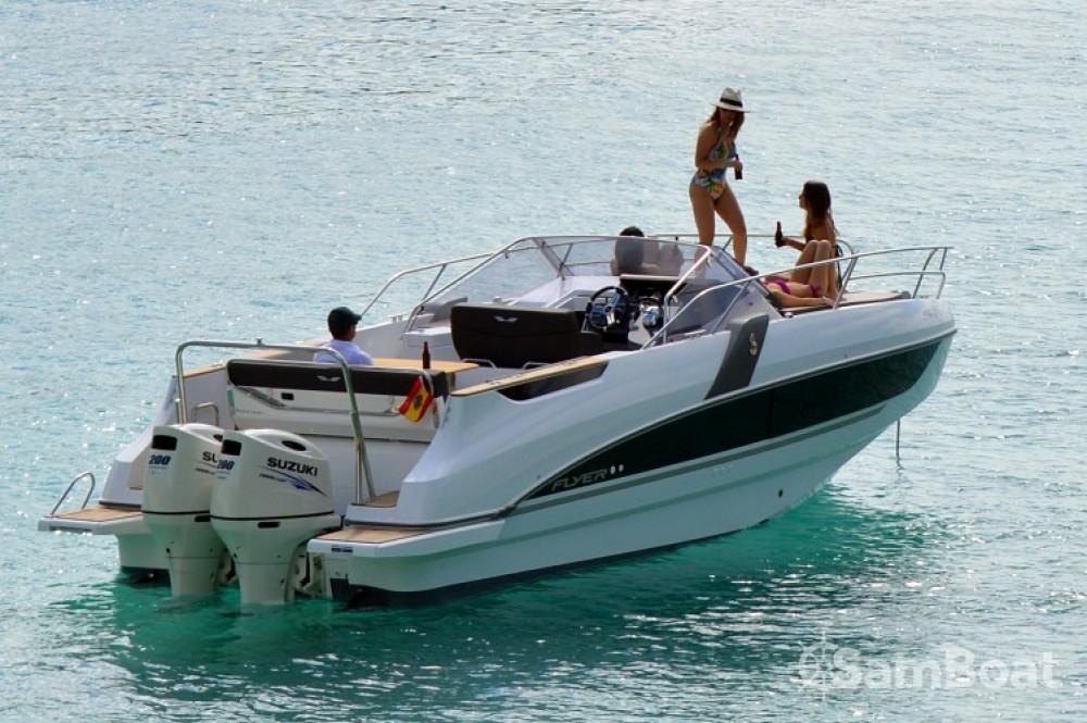 Louer Bateau à moteur avec ou sans skipper Bénéteau à Club de Mar