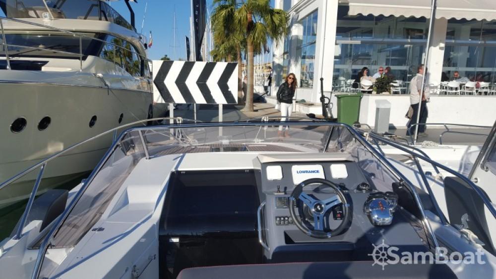 Location bateau Club de Mar pas cher Flyer 8.8 SUNdeck
