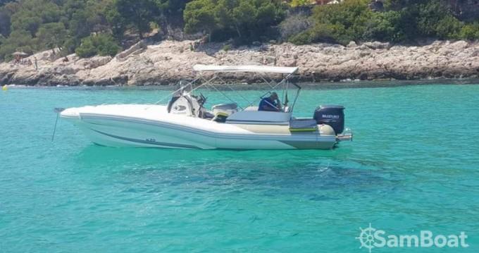 Louer Semi-rigide avec ou sans skipper Zodiac à Club de Mar