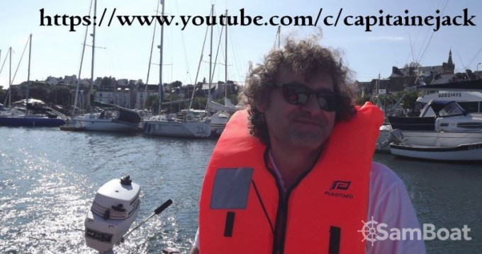Louer Bateau à moteur avec ou sans skipper Bénéteau à Douarnenez