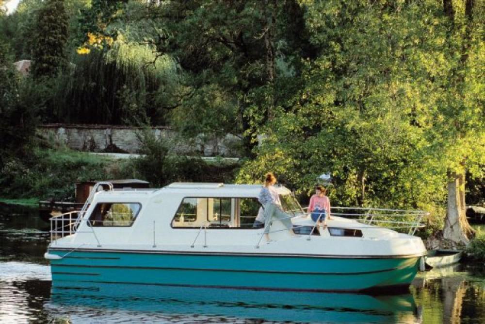 Location bateau Damazan pas cher Riviera 920