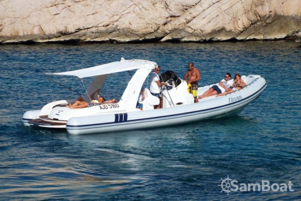 Boat rental Alson Charme 32 in Marseille on Samboat