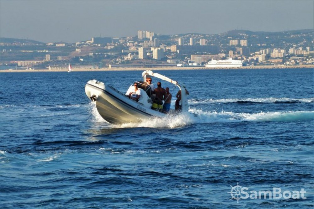 Boat rental Marseille cheap Charme 32