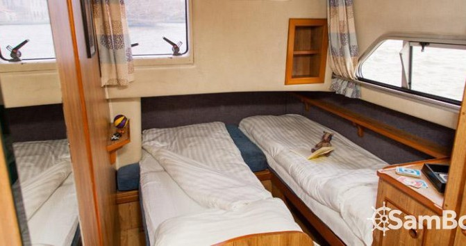 Location yacht à Canal du Midi - Crusader 12.8 sur SamBoat