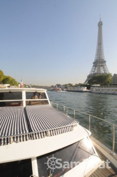 Location bateau Chris Craft Commander 38 à Paris sur Samboat