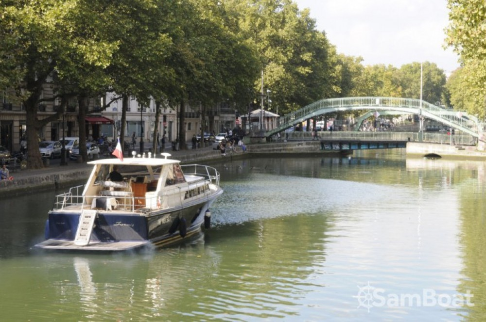 Chris Craft Commander 38 entre particuliers et professionnel à Paris