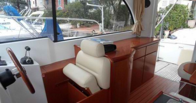 Location yacht à Ajaccio - Bénéteau Antares 980 sur SamBoat