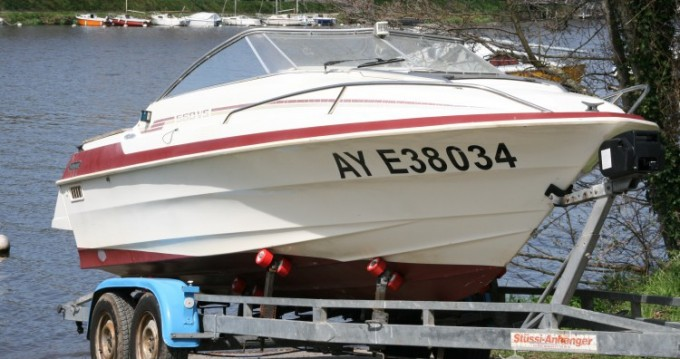 Motor boat for rent Haute-Goulaine at the best price