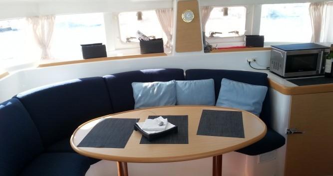 Location yacht à Le Verdon-sur-Mer - Lagoon Lagoon 380 S2 sur SamBoat