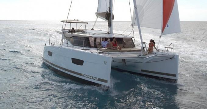 Location bateau Fountaine Pajot Lucia 40 à Le Marin sur Samboat