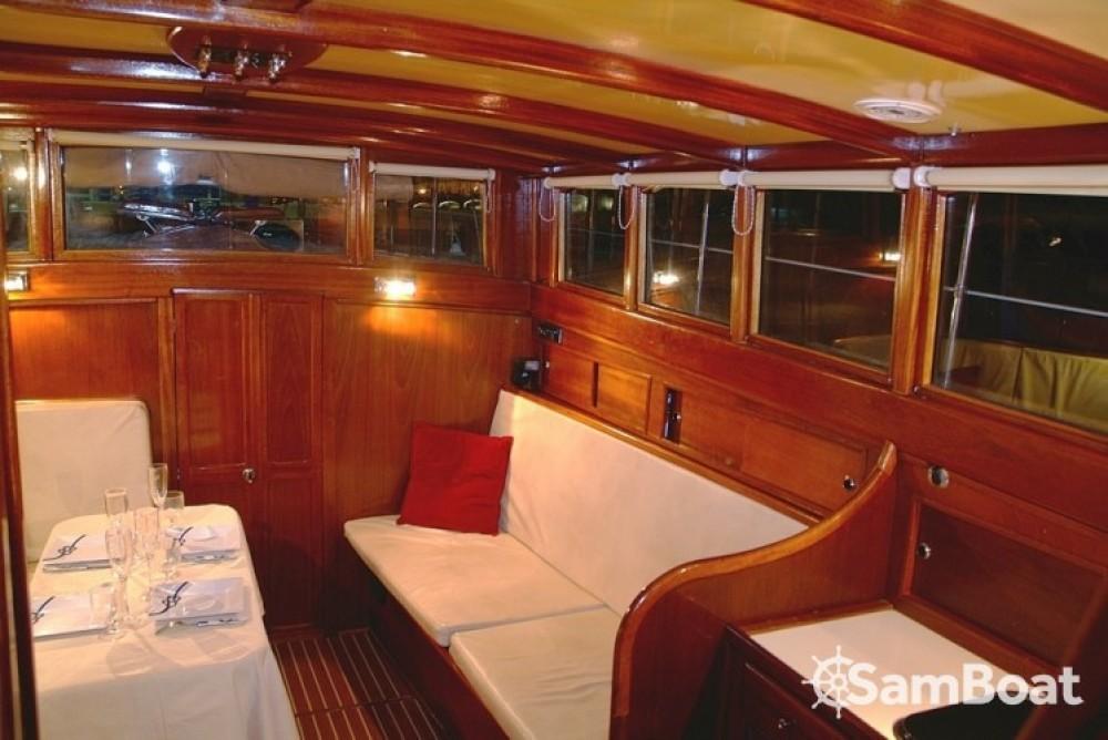 location bateau  u00e0 moteur arcoa bateau unique bateau class u00e9