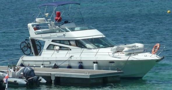 Location bateau Arcoa 1107 Yacht flybrige à Les Roches-de-Condrieu sur Samboat
